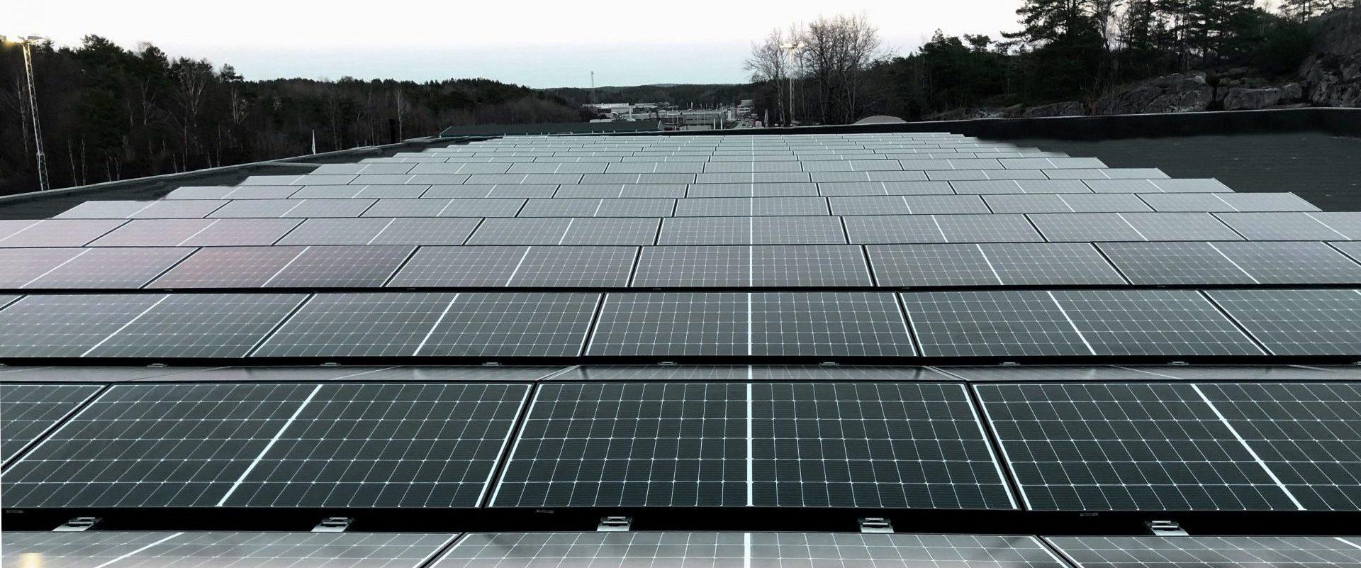 Solceller på industritak i Jönköping