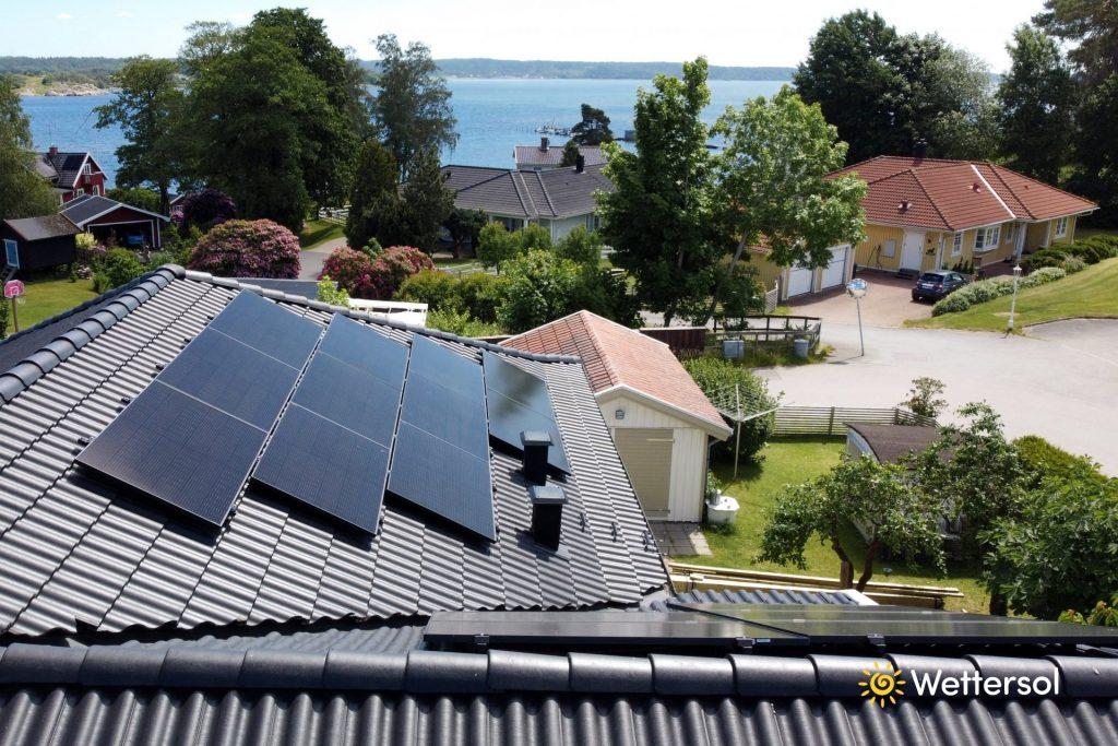 Solceller på villatak i Jönköping